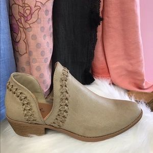 Closed Toe Ankle Bootie